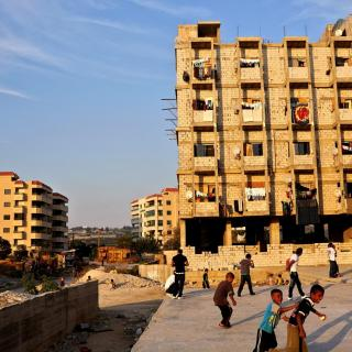 Aleppo: displaced communities in Syria, occupying unfinished apartments blocks